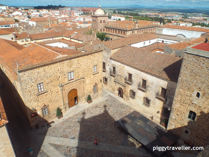 Palacio Episcopal and Santa Maria square from the church tower.