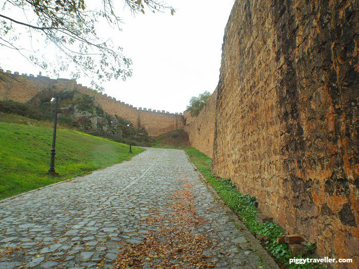 city walls, alburquerque