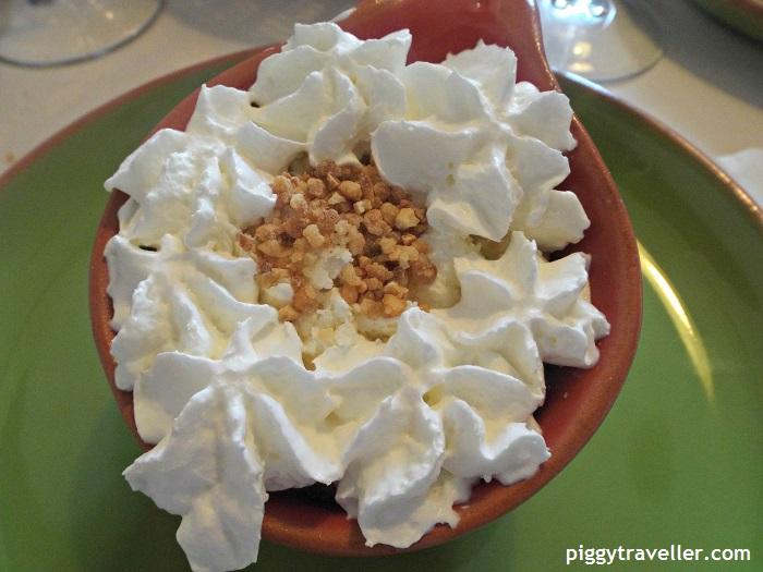 natural yoghourt cheesecake ice-cream