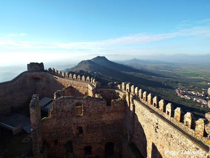 Puebla de Alcocer castle. Views from the keep 2