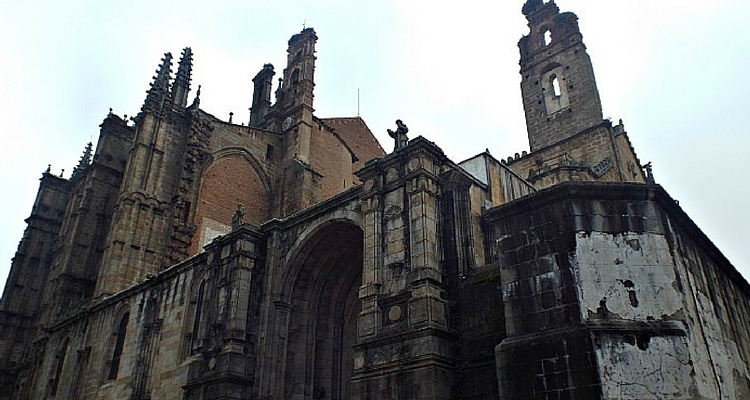 cathedral-plasencia-extremadura-spanish-destinations