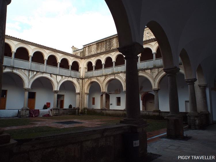 cloister-convento-de-san-francisco-fregenal-de-la-sierra-extremadura-destinations