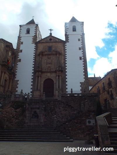 San Jorge church and square