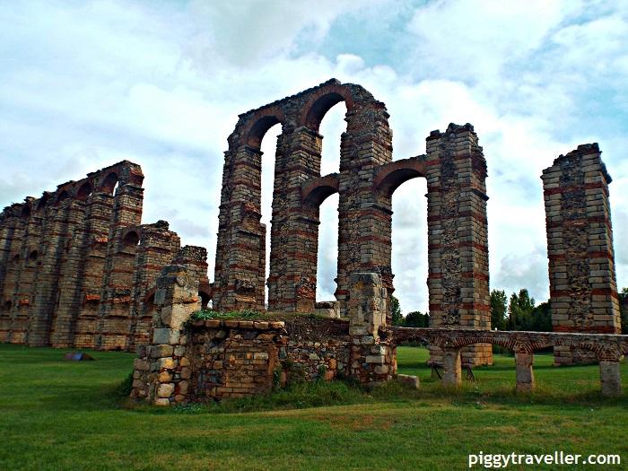 Los Milagros aqueduct