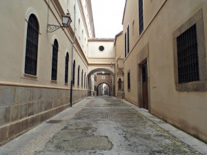 Street in Plasencia centre