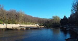 jaraiz-lake-spanish-lakes-extremadura-swimming