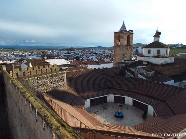 market-templar-castle-fregenal-de-la-sierra-extremadura-destinations