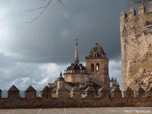 view of santa maria church, jerez de los caballeros