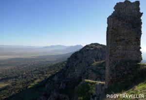 Extremadura castles - Benquerencia de la Serena, castle and mountain range view