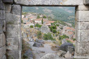Trevejo castle, gateway
